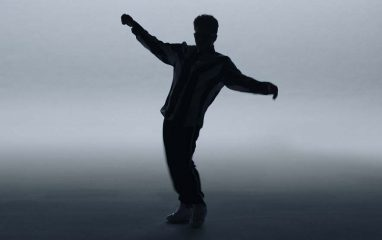 つい真似して踊りたくなっちゃう!Bruno Marsのダンス!
